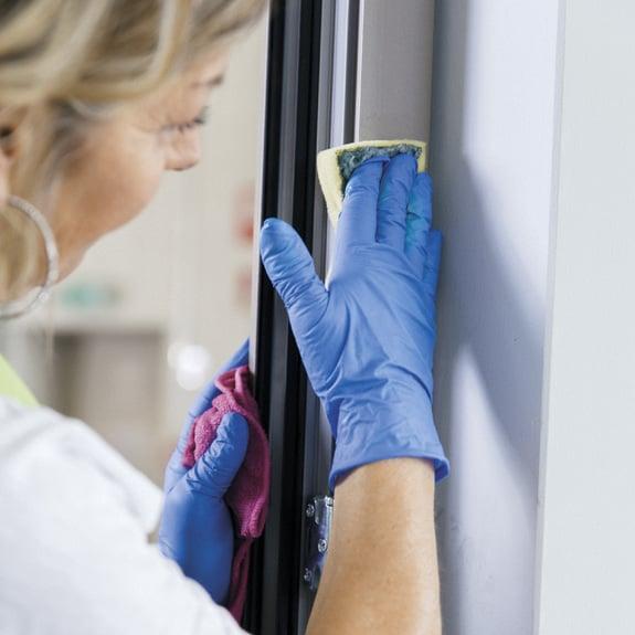 Las superficies de aluminio son fáciles de mantener.