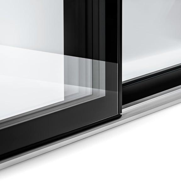 Também disponível com estética tudo em vidro pelo lado interior.