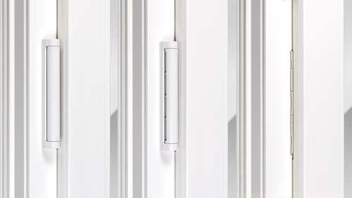 Ventilador PassiveVent Mini integrado na folha da janela