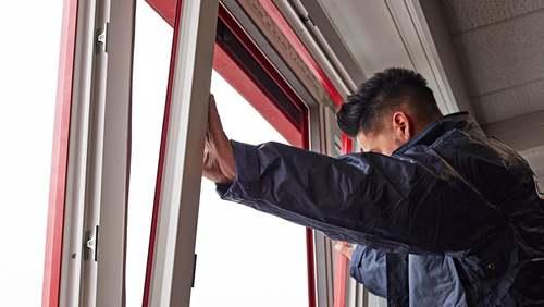 Desmontagem das janelas velhas