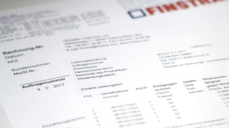Rechnung und Leistungserklärung