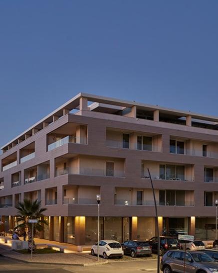 Edifício comercial e residencial em Caserta