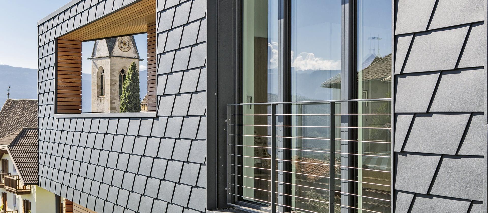 Windows and doors made of PVC-aluminium.