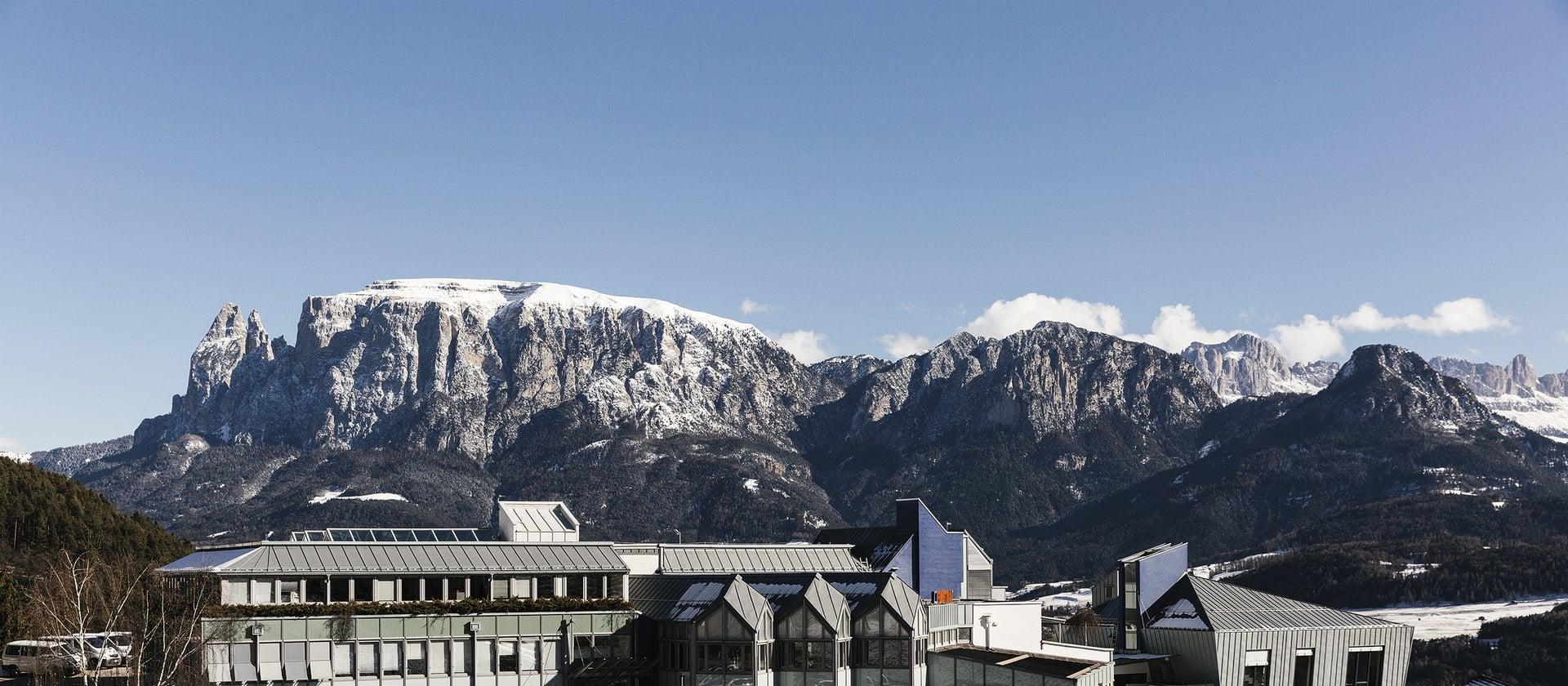 Las fábricas de Finstral cierran temporalmente.