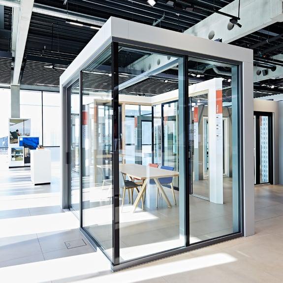 Grande transparence avec les façades vitrées Finstral.