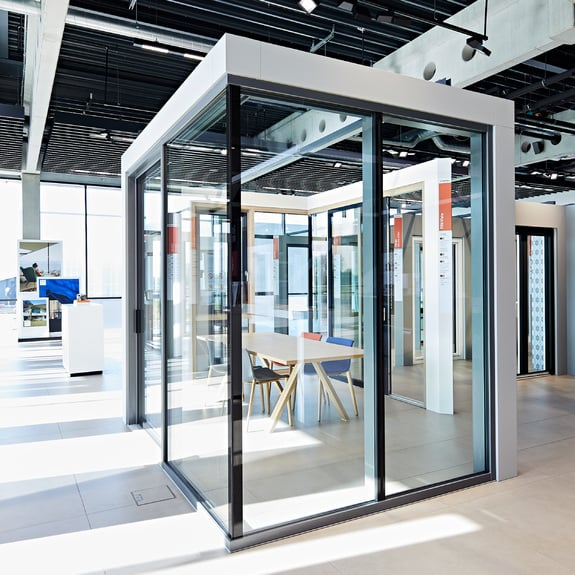 A máxima transparência com as fachadas de vidro Finstral.